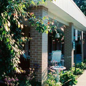 Belmont Village Court Apartments Property Thumbnail Image 3