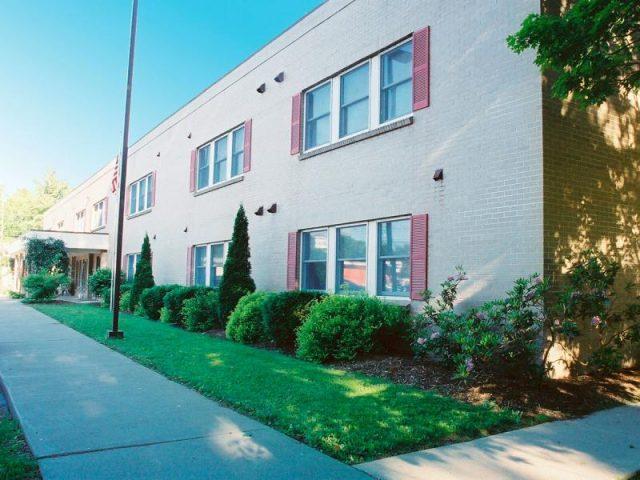 Belmont Village Court Apartments Property Image 2