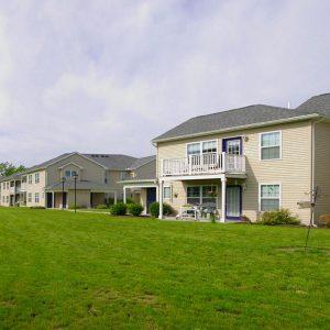 Geneva Greens Apartments Property Thumbnail Image 3