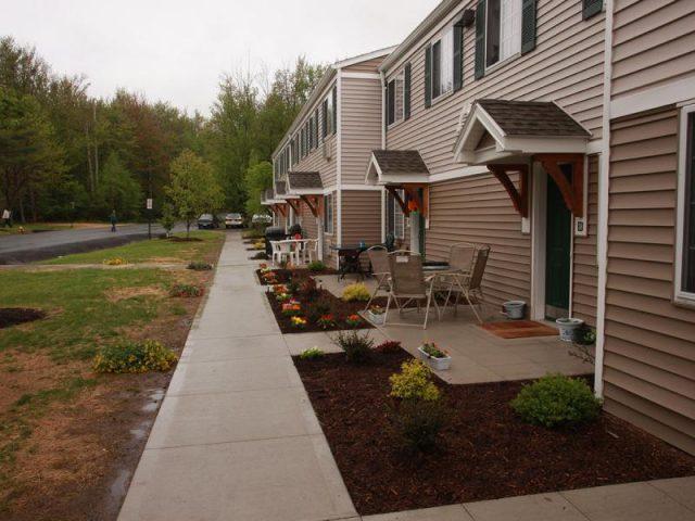 Lake View Apartments Property Image 1