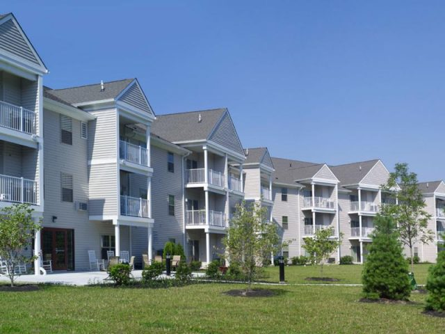 Linden Lake Senior Apartments Property Image 1