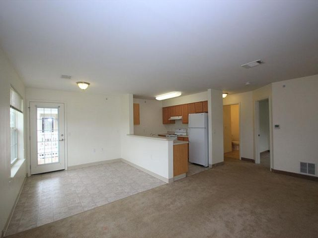 Poets Landing Apartments Property Image 3