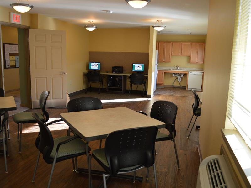 Rooms: Webster Manor Apartments