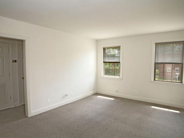 Westhills Square Apartments Property Image 4