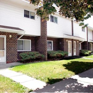 Woodburn Court II Apartments Property Thumbnail Image 1